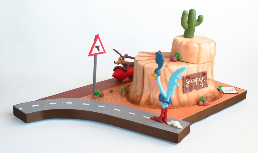 Coyote and Road Runner cake 01