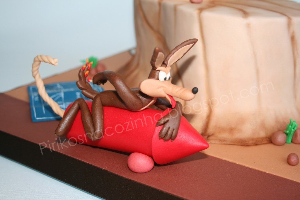 Coyote and Road Runner cake 08