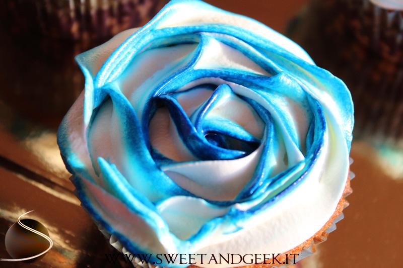 Sweet&geek_cupcake_rosasfumata01B