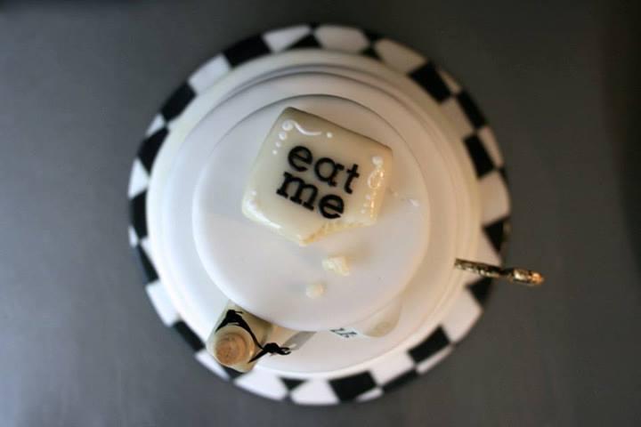 Eat me cake