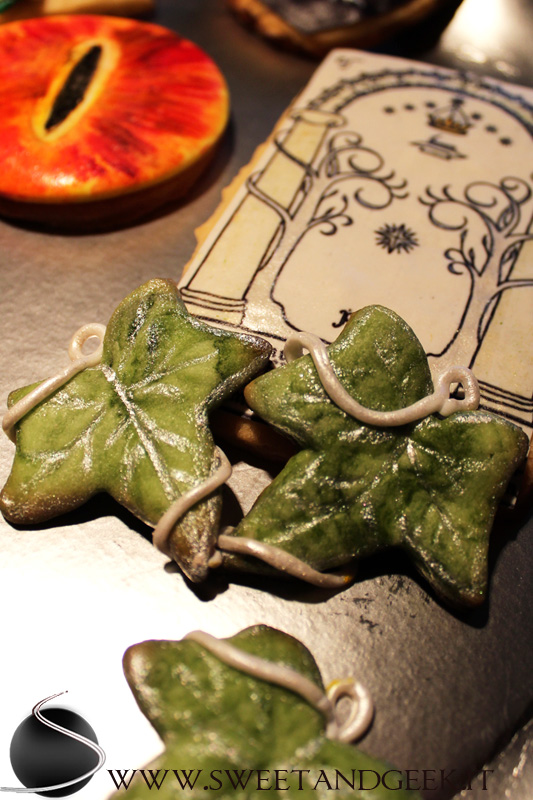 lothlorien-leaf-cookie