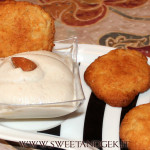 Crema di mandorle medievale con biscotti alle mandorle